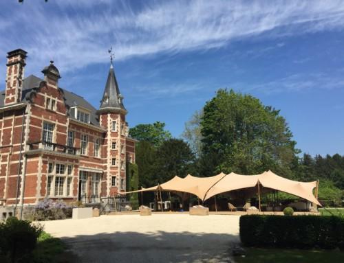 (Français) mariage splendide avec tente organique sur l'esplanade du château